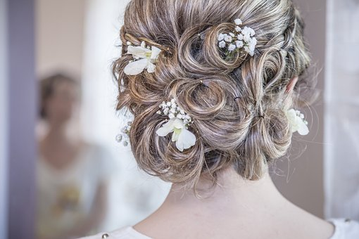 Top Tips To Help You Style Your Hair And Makeup For Your Wedding